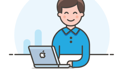 Avatar of a male blogger using a Mac laptop