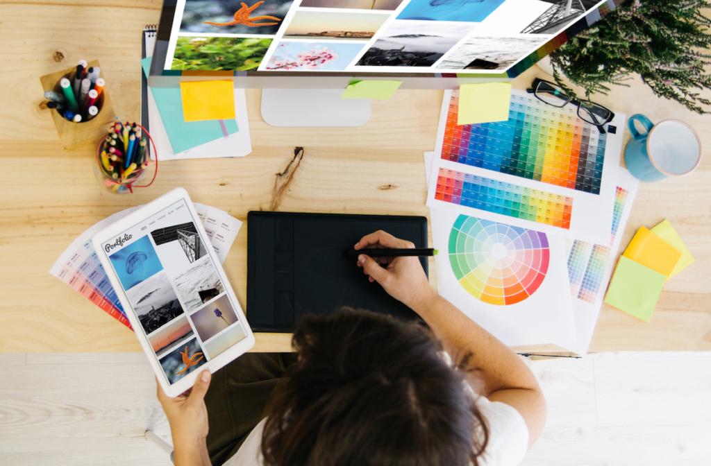 woman working on online portfolio